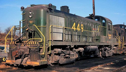 "Reading RS-3 #449 was the only unit to receive the 1970s ""Reading Green"" paint scheme."